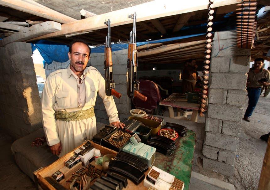 Uma loja de armas em Erbil, Cazaquistão Iraquiano Foto: Reuters