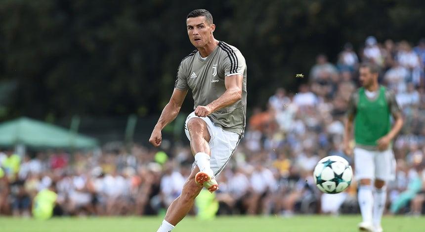 Cristiano Ronaldo marca no primeiro jogo pela Juventus - Futebol ... 657fedd8db8f0