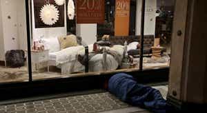 Pobreza. Carlos Farinha Rodrigues deixa alerta sobre alívio das medidas de emergência