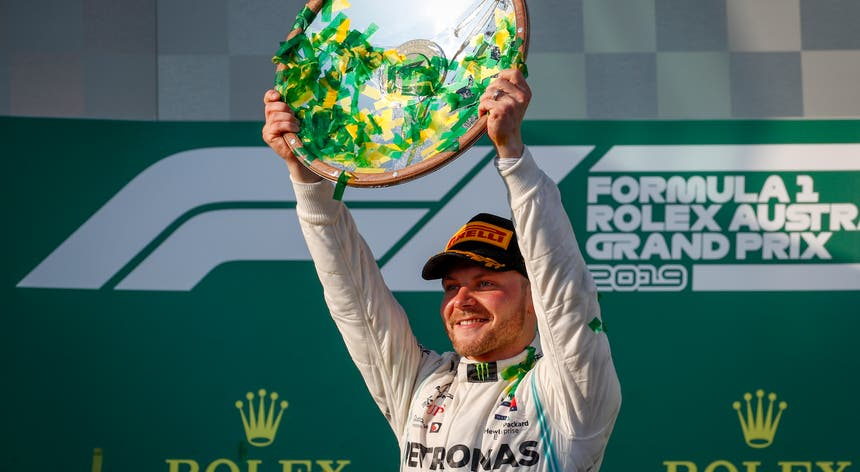 Valtteri Bottas foi o mais forte e venceu sem contestação na Austrália