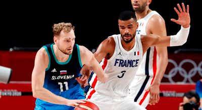 Tóquio2020. França bate Eslovénia e está na final do basquetebol com os EUA