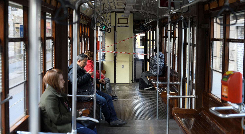 Transportes públicos em Milão /Daniele Mascolo - Reuters