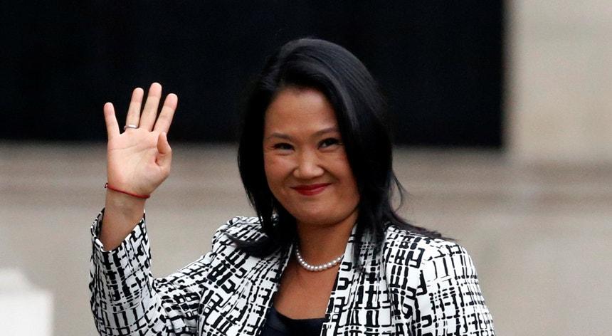 Keiko Fujimori, investigada por corrupção, vai continuar em liberdade condicional