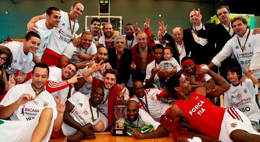 e4b6051292 Benfica é campeão nacional de basquetebol - Basquetebol - Desporto ...