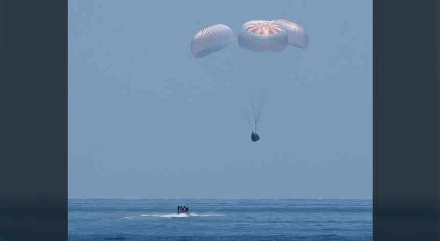 De volta à Terra... no mar