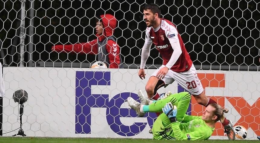 Paulinho marcou frente ao Besiktas