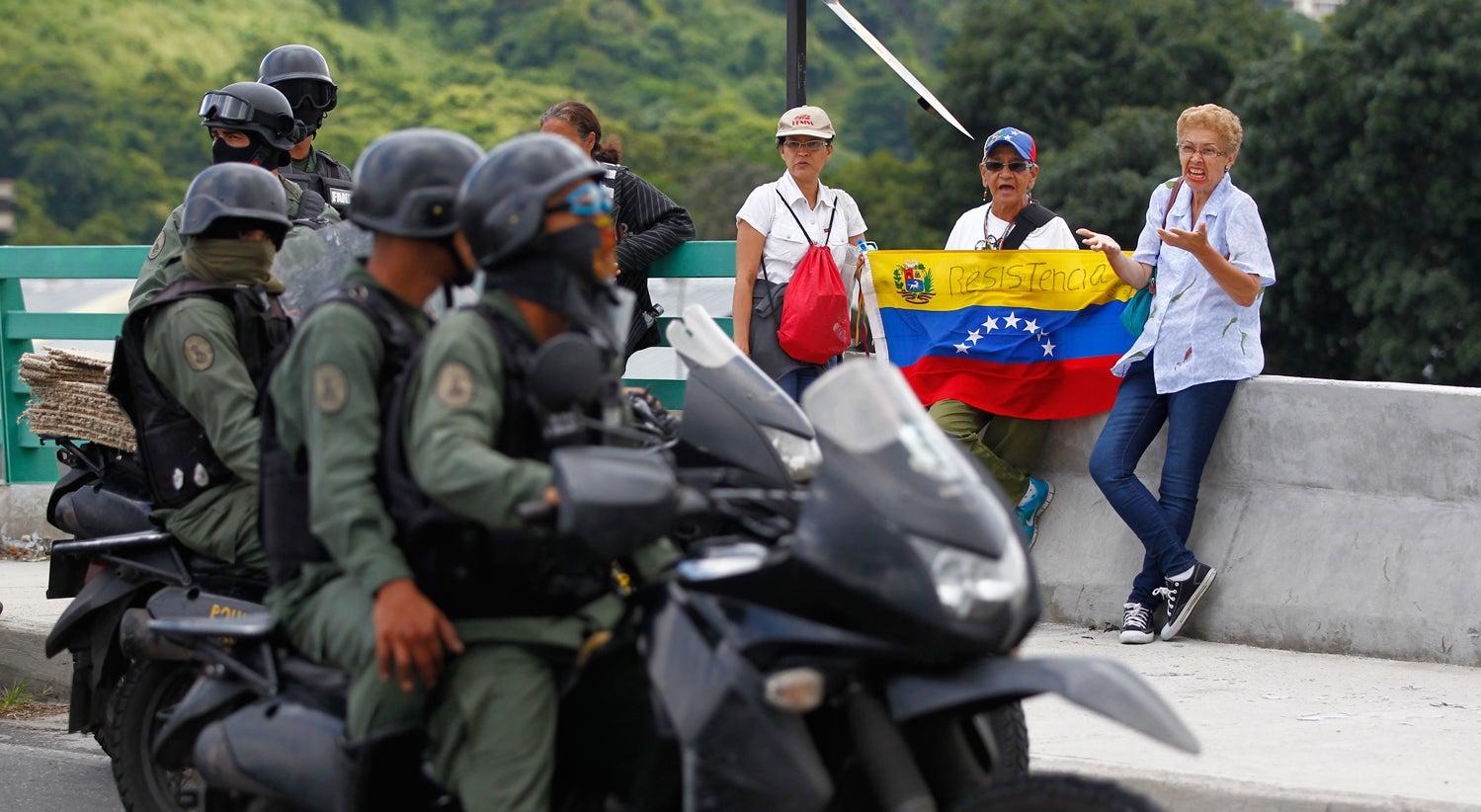 Resultado de imagem para PCP volta a apoiar Constituinte de Maduro e critica Governo