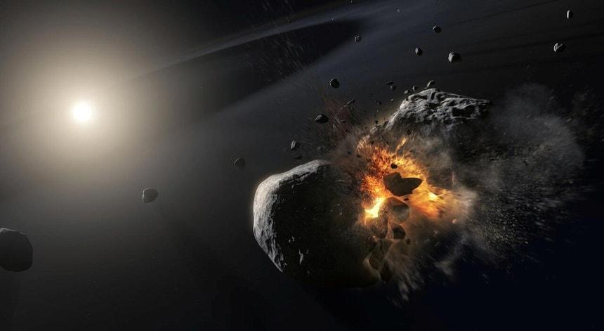 Criação artística da colisão de dois asteróides em órbita da estrela Fomalhaut, a cerca de 25 anos luz da Terra