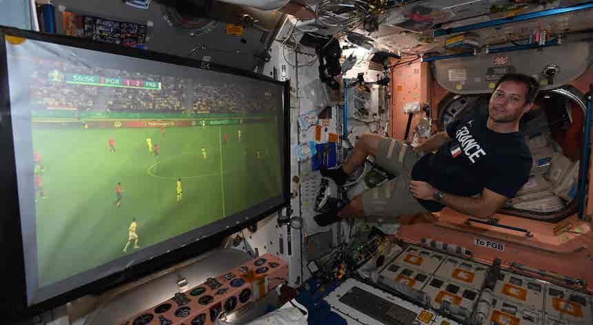 Futebol espacial