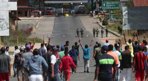 Em Atualização Dois mortos e vários feridos junto à fronteira entre Brasil  e Venezuela 7a49854593f35