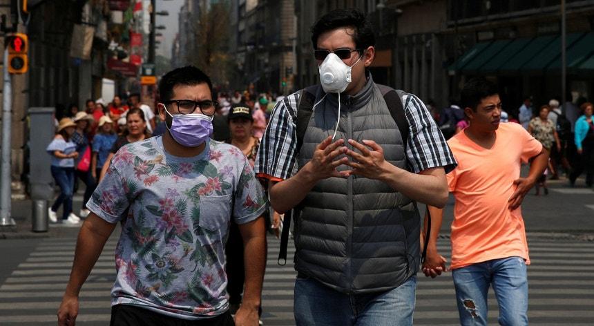 Os mexicanos procuram adaptar-se a uma nova realidade provocada pela pandemia