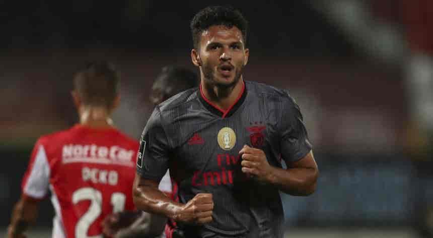 Gonçalo Ramos tem qualidade para estar na equipa principal do Benfica, diz António Carraça