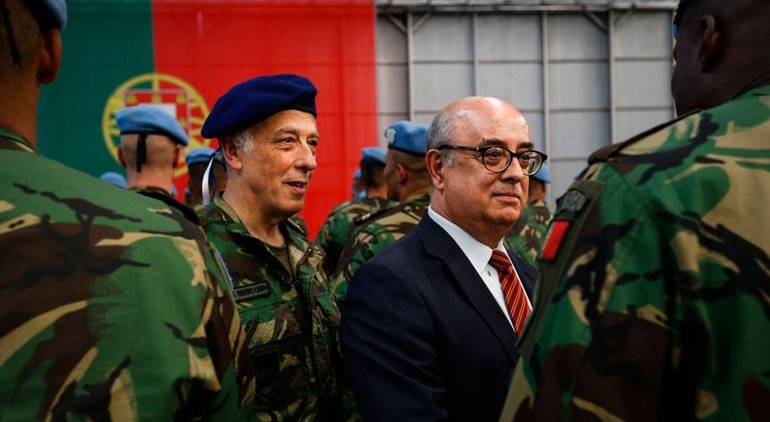 Relatório exclue qualquer responsabilização direta do ex-ministro da Defesa Azeredo Lopes e do primeiro-ministro