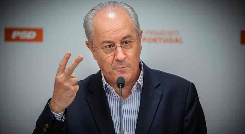 """Rio considera que """"reuniões do Infarmed começam a ter pouca utilidade"""""""