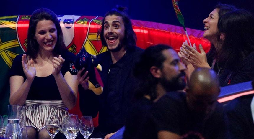 Salvador Sobral, no palco, na final do Festival Eurovisão da canção