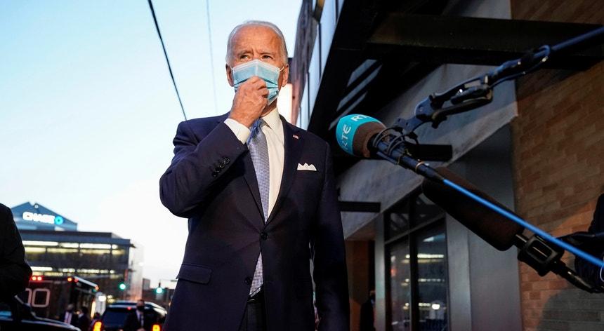 """Apesar de garantir que há um contacto """"sincero"""" entre as duas equipas, Joe Biden esclareceu que ainda não falou diretamente com o Presidente Donald Trump."""