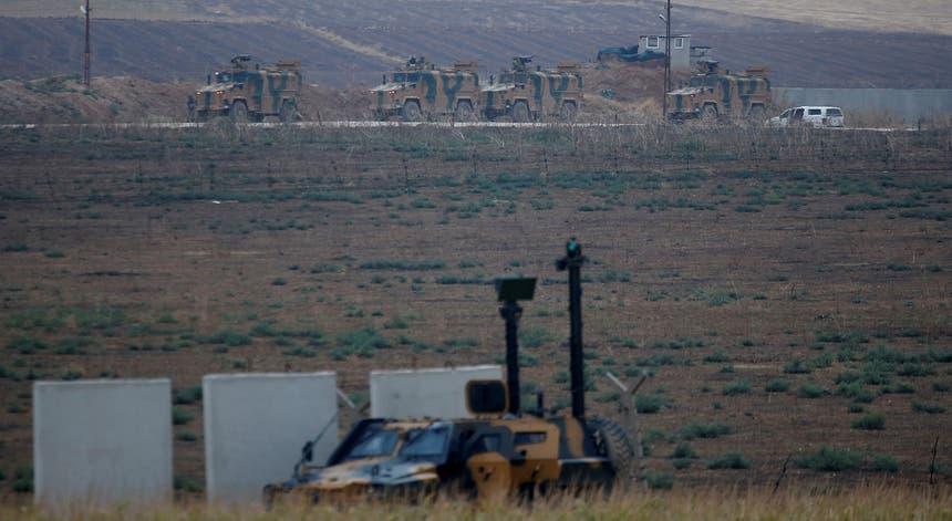 """Donald Trump justifica o envio de tropas à região síria com a necessidade de """"proteger o petróleo"""""""