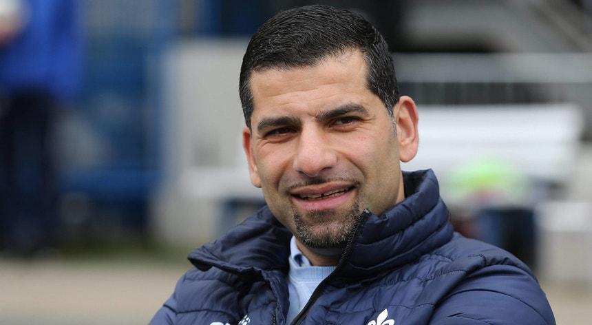 Dimitrios Grammozis vai tentar manter o Schalke 04 na Bundesliga