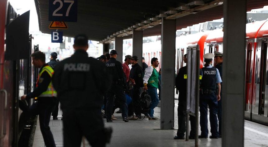 Polícia numa estação de S-Bahn em Munique