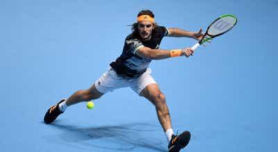 Tenista grego Tsitsipas `derruba` Thiem e conquista ATP Finals pela primeira vez