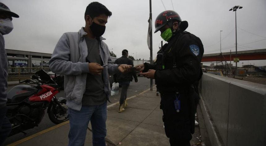 O Peru vai voltar a um confinamento rigoroso em algumas regiões do país