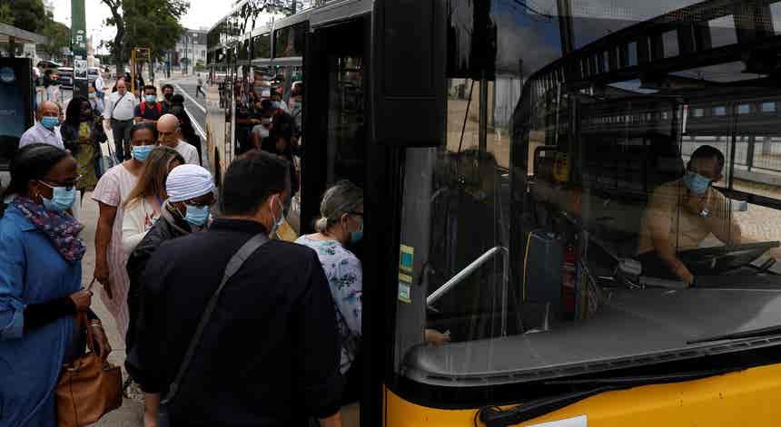 Governo admitiu que transportes públicos podem mesmo ser pontos de contágio
