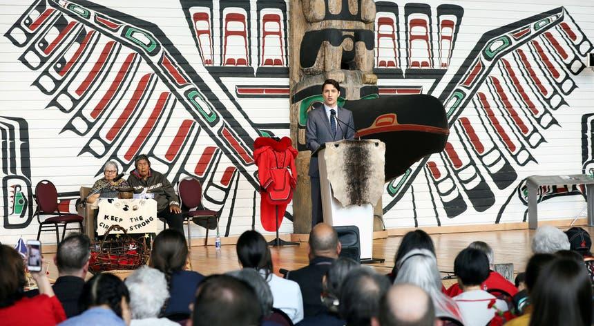 """""""Para as pessoas indígenas no Canadá, a experiência foi, na sua maioria, de humilhação, negligência e abuso"""", reconheceu o primeiro-ministro Justin Trudeau"""
