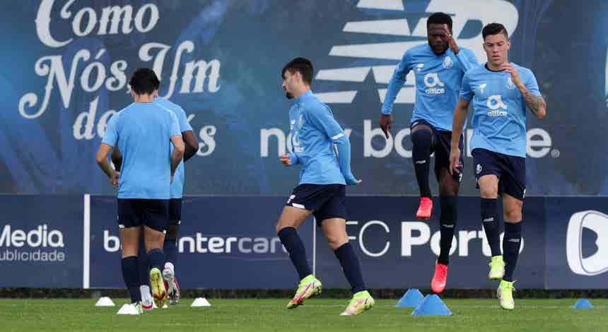 """""""Champions"""". FC Porto e Sporting com jogos decisivos"""