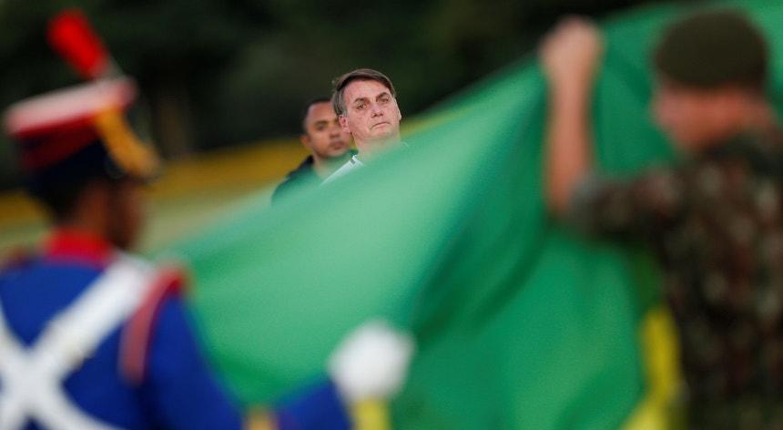 Um juiz do Supremo Tribunal Federal do Brasil ordenou um inquérito para averiguar acusações contra o presidente Bolsonaro