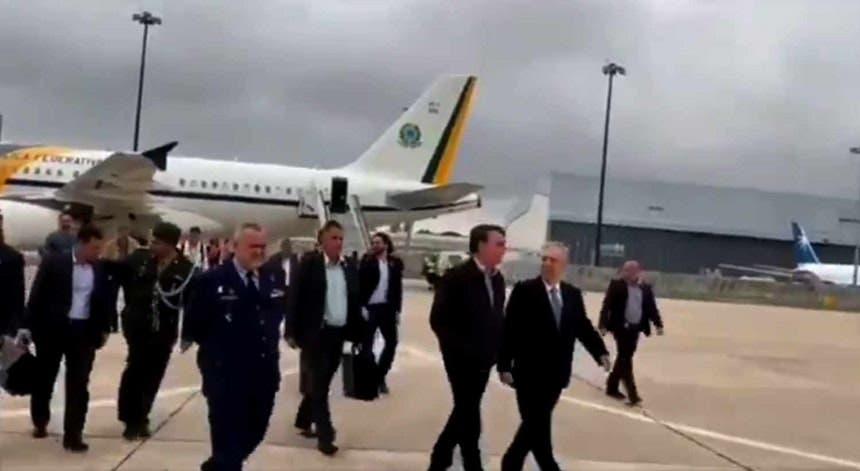 Bolsonaro aterrou esta manhã em Lisboa antes de seguir para Tóquio onde vai participar na cimeira do G20