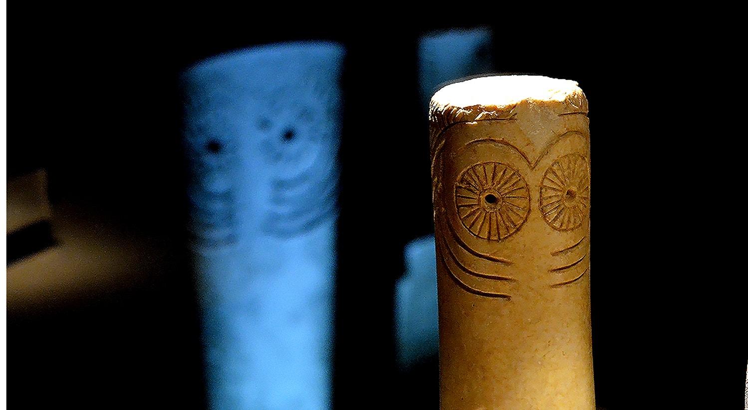 Ídolo cilindro oculado, calcário, Sudoeste da Peninsula Ibérica, 3000-2500 a.C.   Carla Quirino - RTP