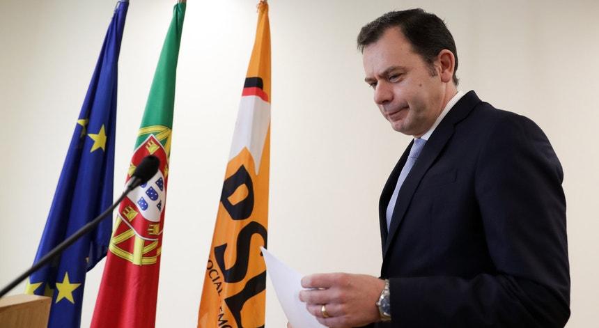 """""""Há um ano ninguém imaginava esta brutal degradação do PSD, ninguém admitia esta queda enorme nas sondagens"""", considerou Montenegro"""