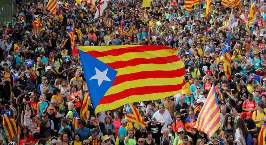 Dia de greve geral. Confrontos numa das manifestações em Barcelona