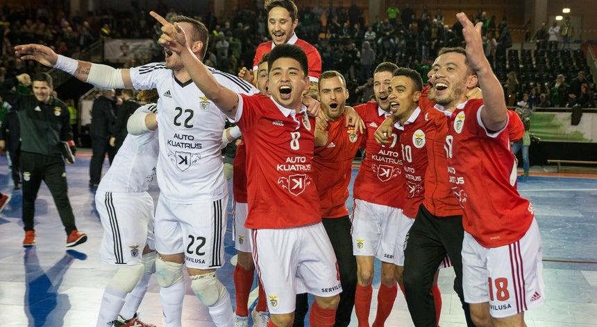 Benfica goleia Sporting e conquista Taça da Liga de futsal - Futsal ... e116dbb319a2b