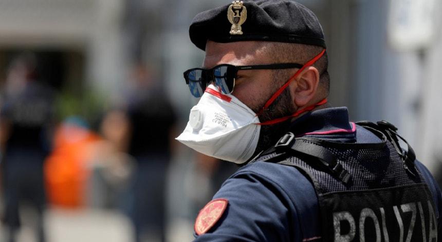 O homem foi capturado em Milão por militares do Grupo de Operações Especiais (ROS) das Forças Armadas de Itália.