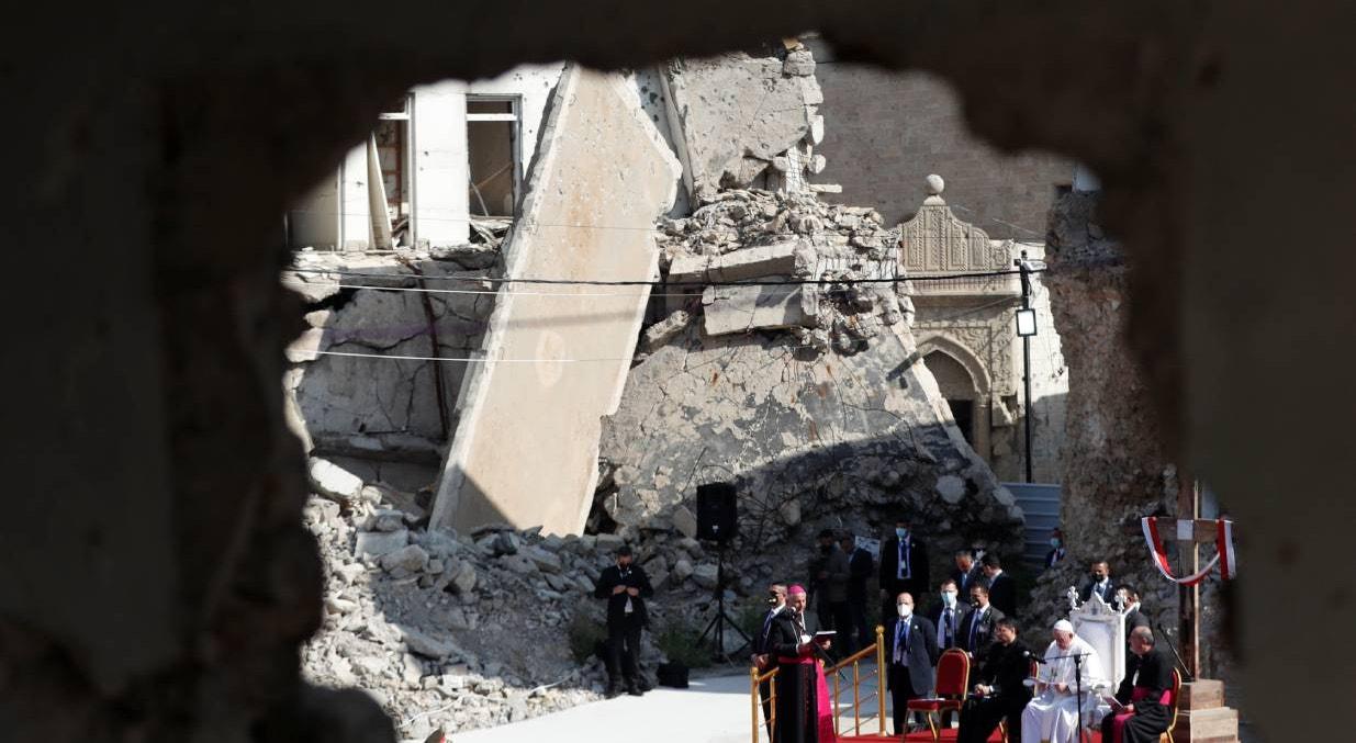 Mossul. Missa pelas vítimas da guerra na Catedral que foi prisão durante o domínio do Estado Islâmico na cidade  | Yara Nardi - Reuters