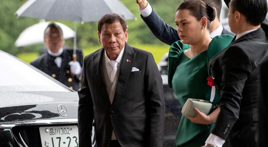 Rodrigo Duterte e a filha Sara Duterte-Carpio, presidente e primeira-dama das Filipinas