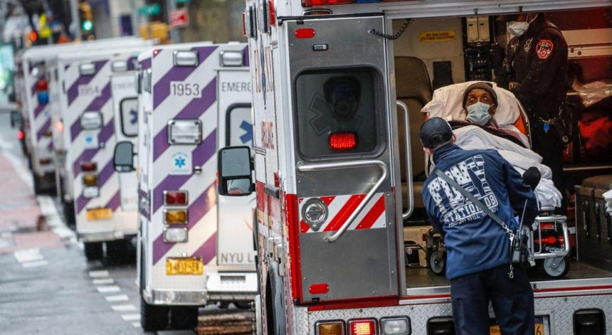 Os Estados Unidos continuam a viver dias difíceis perante a crise sanitária provocada pelo novo coronavírus