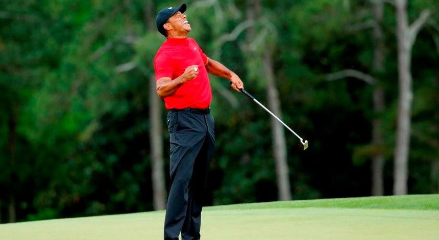 0e1eebe8b Tiger Woods vence o Masters e conquista um `major` 11 anos depois ...