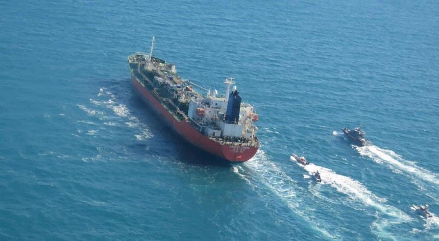 O petroleiro foi libertado três meses depois