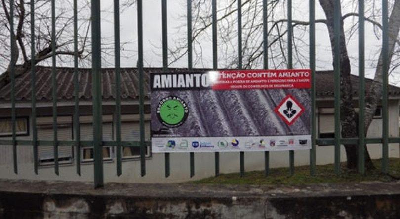 António Costa promete acabar com o amianto nas escolas