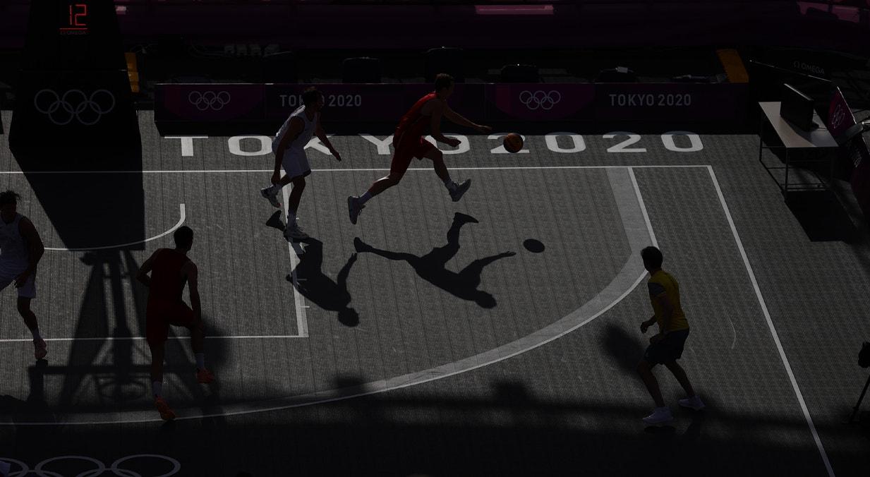 Treino de basquetebol no Aomi Urban Sports Park   Andrew Boyers - Reuters