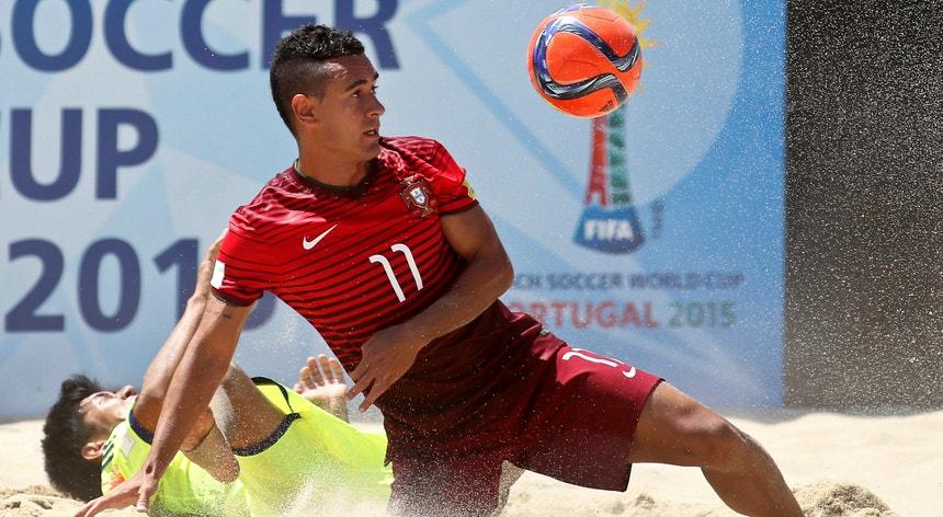 O ala Bê Martins foi um dos escolhidos para integrar o estágio da seleção de futebol de praia