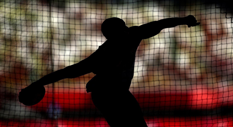 O atleta brasileiro, Felipe dos Santos no lançamento do disco.   Foto: Andrew Boyers - Reuters
