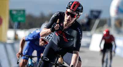 Volta ao Algarve: Ethan Hayter vence segunda etapa e assume liderança da geral