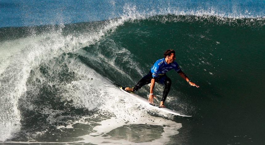 """As ondas foram madrastas para """"Kikas"""" na final frente ao surfista brasileiro"""