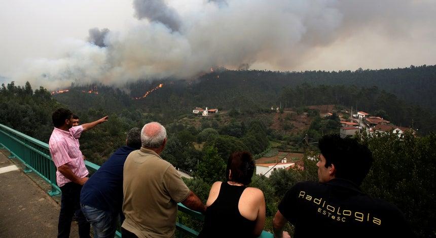 Resultado de imagem para Protecção Civil alerta para perigo de fogos florestais nos próximos dias