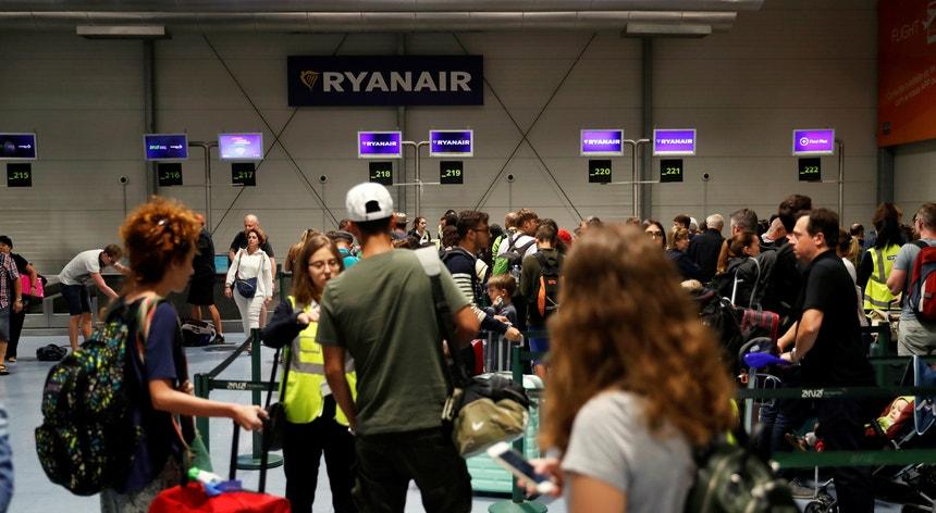 Os tripulantes da Ryanair estão em greve durante cinco dias