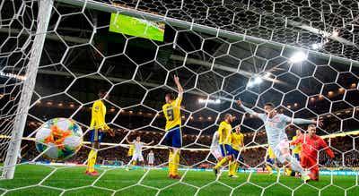 Espanha empata na Suécia e está na fase final pela 11.ª vez