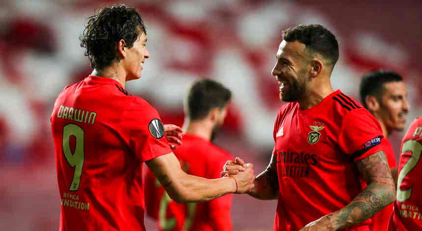 Liga Europa. Benfica e SC Braga entre os 14 apurados